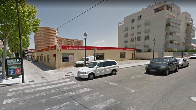 Aprueban licencia para gasolinera y burguer king en el for Saneamientos valencia